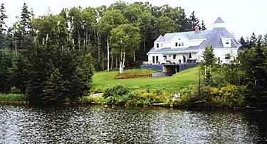 VanDyke's Lakeview Bed & Breakfast